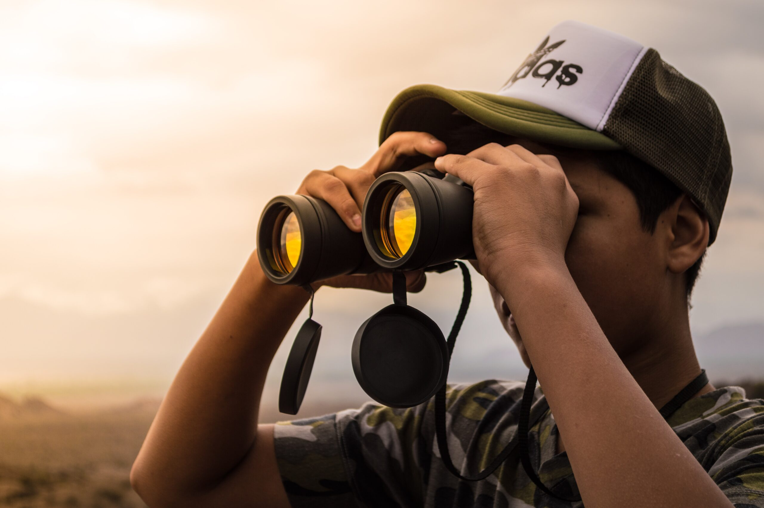 binocular-cap-clouds-802412