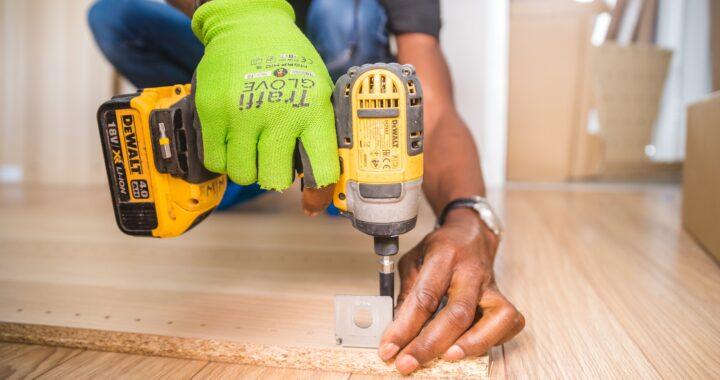 carpenter-carpentry-close-up-1249611